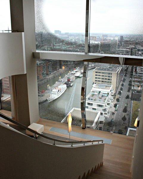 Bloggerin Faya Nilsson im The Westin Hotel Hamburg